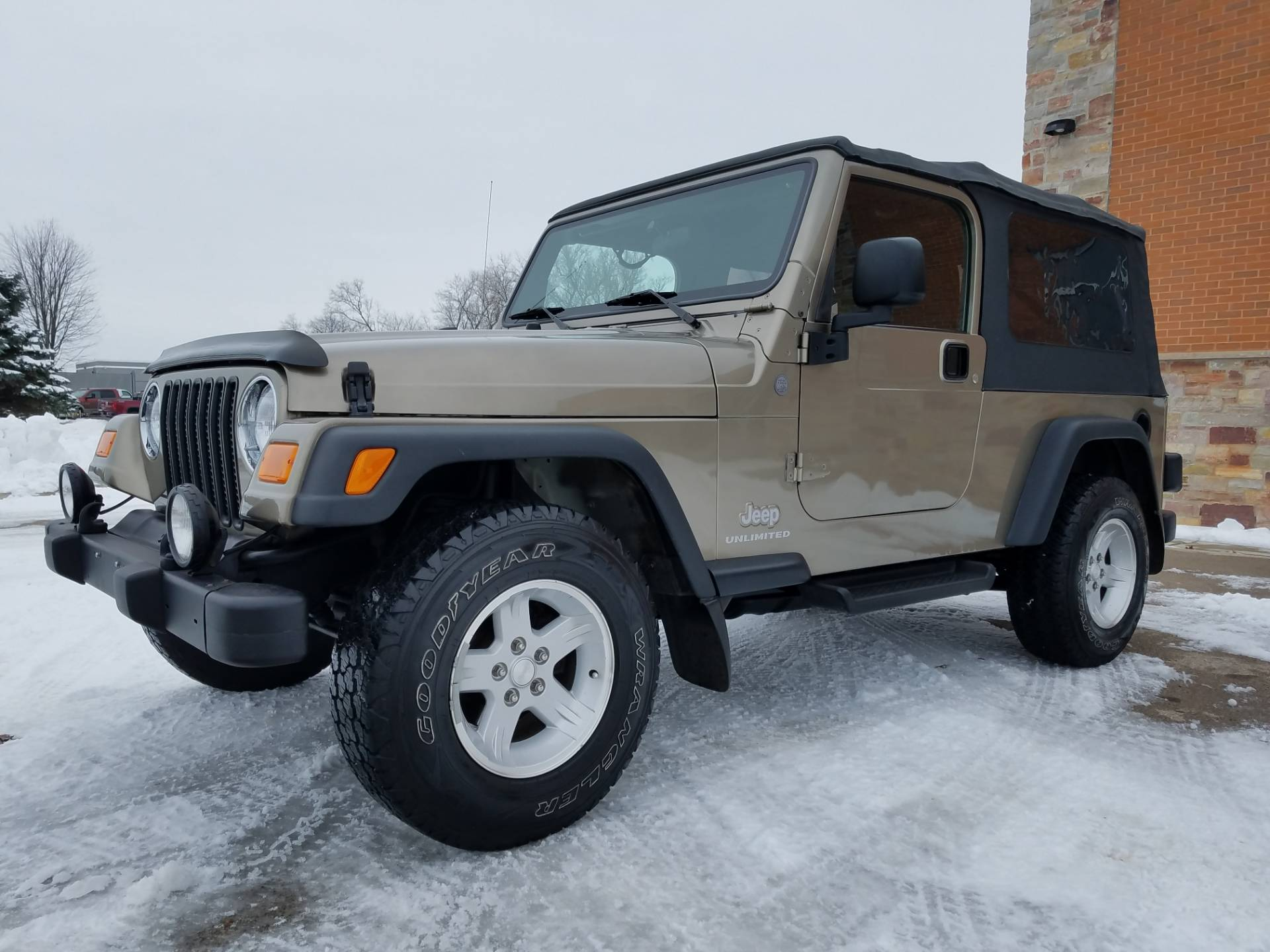 2004 Jeep® Wrangler Unlimited in Big Bend, Wisconsin - Photo 2