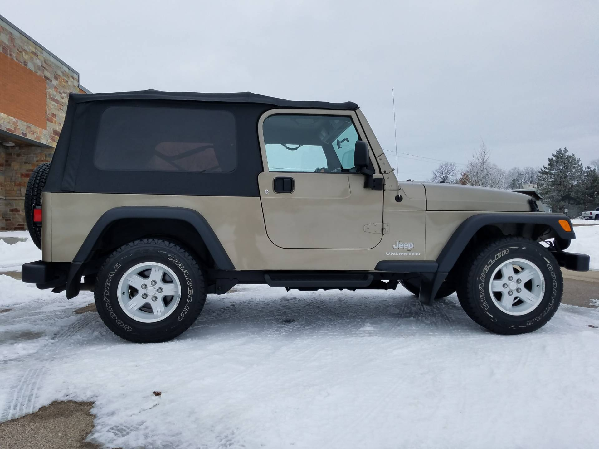 2004 Jeep® Wrangler Unlimited in Big Bend, Wisconsin - Photo 3