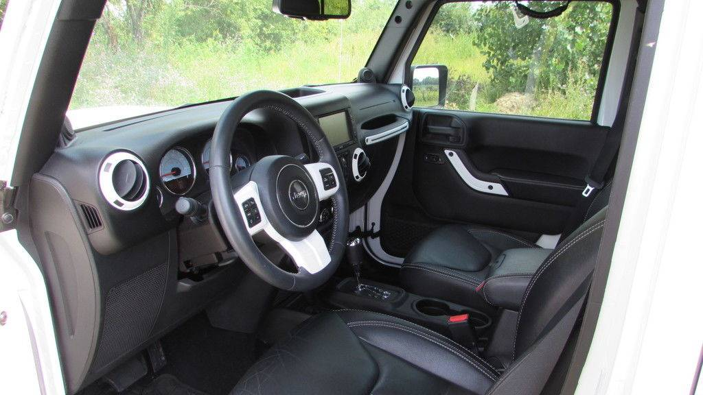 2014 Jeep WRANGLER UNLIMITED POLAR EDITION in Big Bend, Wisconsin - Photo 25