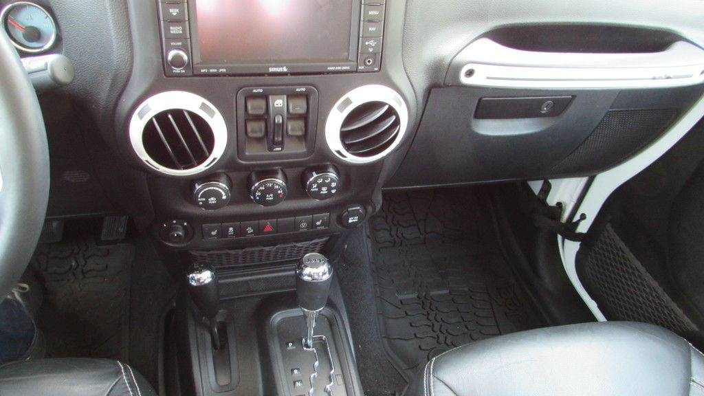 2014 Jeep WRANGLER UNLIMITED POLAR EDITION in Big Bend, Wisconsin - Photo 32