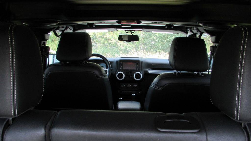 2014 Jeep WRANGLER UNLIMITED POLAR EDITION in Big Bend, Wisconsin - Photo 40