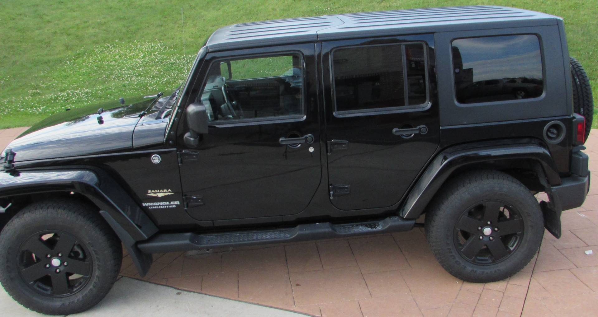 2009 Jeep Wrangler Sahara Limited in Big Bend, Wisconsin - Photo 13