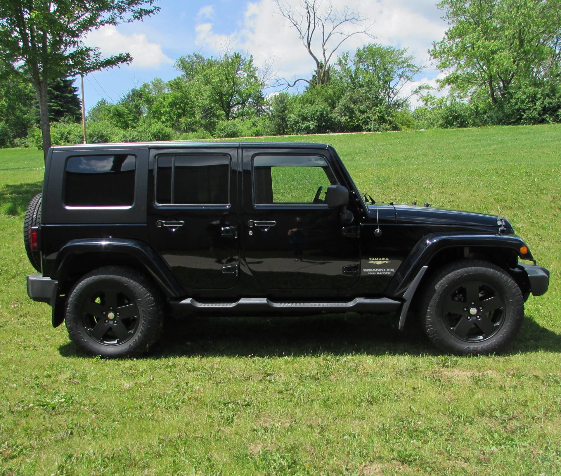 2009 Jeep Wrangler Sahara Limited in Big Bend, Wisconsin - Photo 17