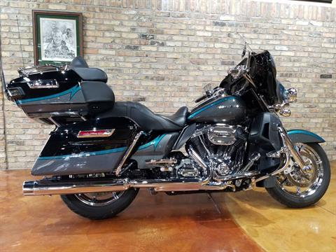 2015 Harley-Davidson CVO™ Limited in Big Bend, Wisconsin - Photo 58