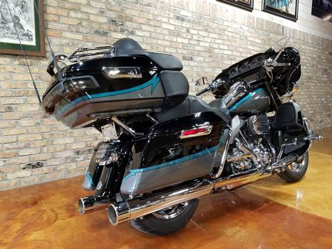 2015 Harley-Davidson CVO™ Limited in Big Bend, Wisconsin - Photo 3