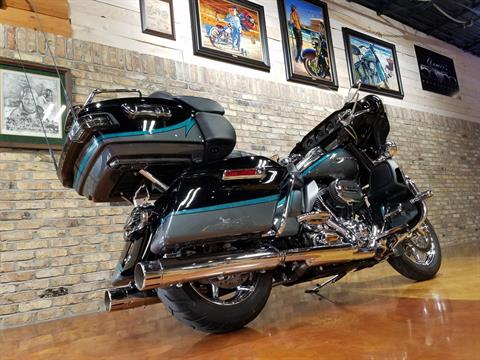 2015 Harley-Davidson CVO™ Limited in Big Bend, Wisconsin - Photo 4