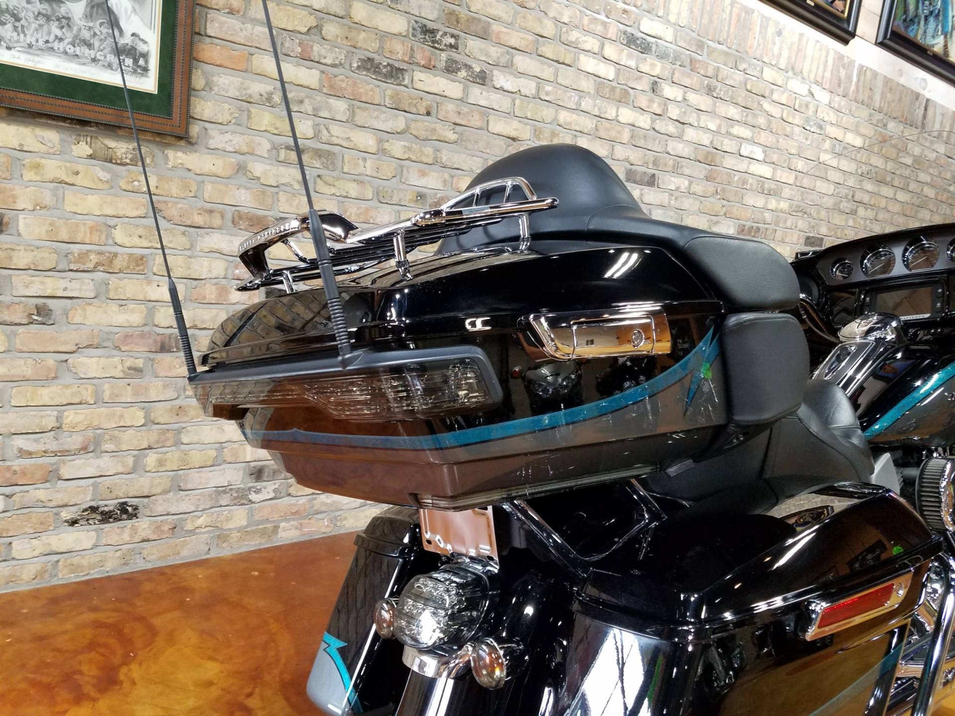 2015 Harley-Davidson CVO™ Limited in Big Bend, Wisconsin - Photo 5