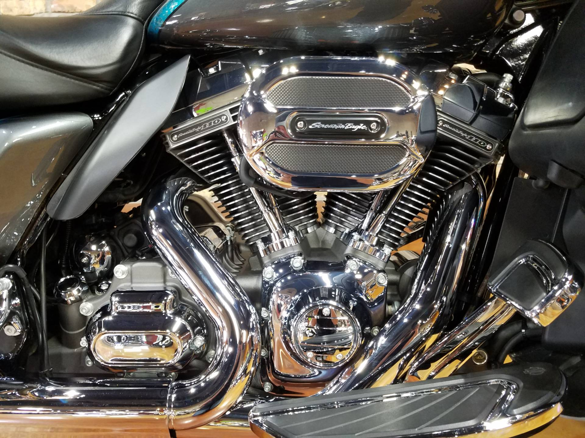 2015 Harley-Davidson CVO™ Limited in Big Bend, Wisconsin - Photo 10