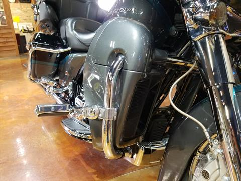 2015 Harley-Davidson CVO™ Limited in Big Bend, Wisconsin - Photo 14
