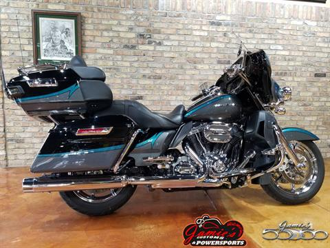 2015 Harley-Davidson CVO™ Limited in Big Bend, Wisconsin - Photo 1