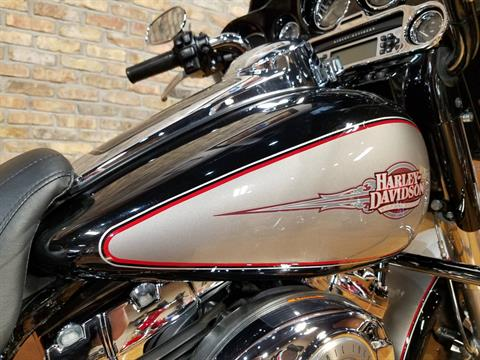 2009 Harley-Davidson Electra Glide® Classic in Big Bend, Wisconsin - Photo 13