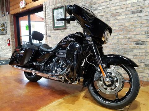 2016 Harley-Davidson CVO™ Street Glide® in Big Bend, Wisconsin - Photo 2