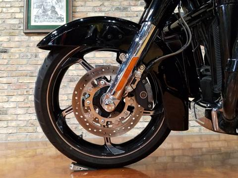 2016 Harley-Davidson CVO™ Street Glide® in Big Bend, Wisconsin - Photo 35