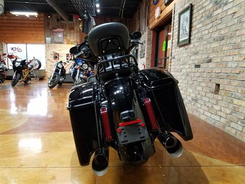 2016 Harley-Davidson CVO™ Street Glide® in Big Bend, Wisconsin - Photo 47