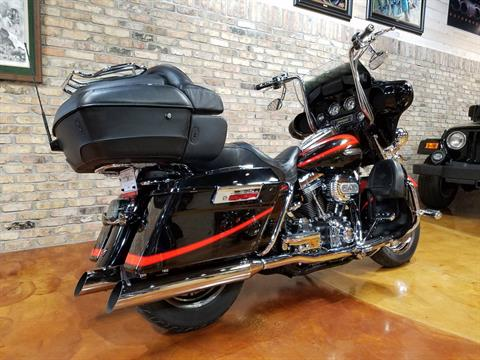 2007 Harley-Davidson CVO™ Screamin' Eagle® Ultra Classic® Electra Glide® in Big Bend, Wisconsin - Photo 3