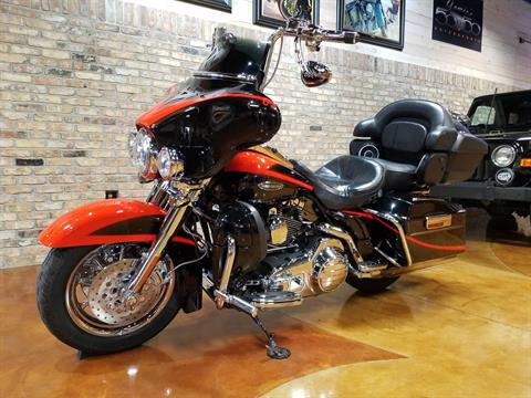 2007 Harley-Davidson CVO™ Screamin' Eagle® Ultra Classic® Electra Glide® in Big Bend, Wisconsin - Photo 38