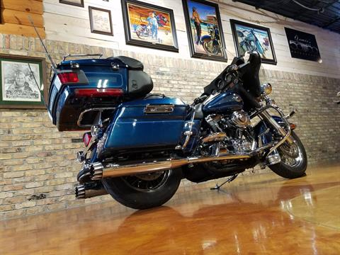2001 Harley-Davidson FLHTCUI Ultra Classic® Electra Glide® in Big Bend, Wisconsin - Photo 4
