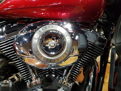 2008 Harley-Davidson Ultra Classic® Electra Glide® in Big Bend, Wisconsin - Photo 12