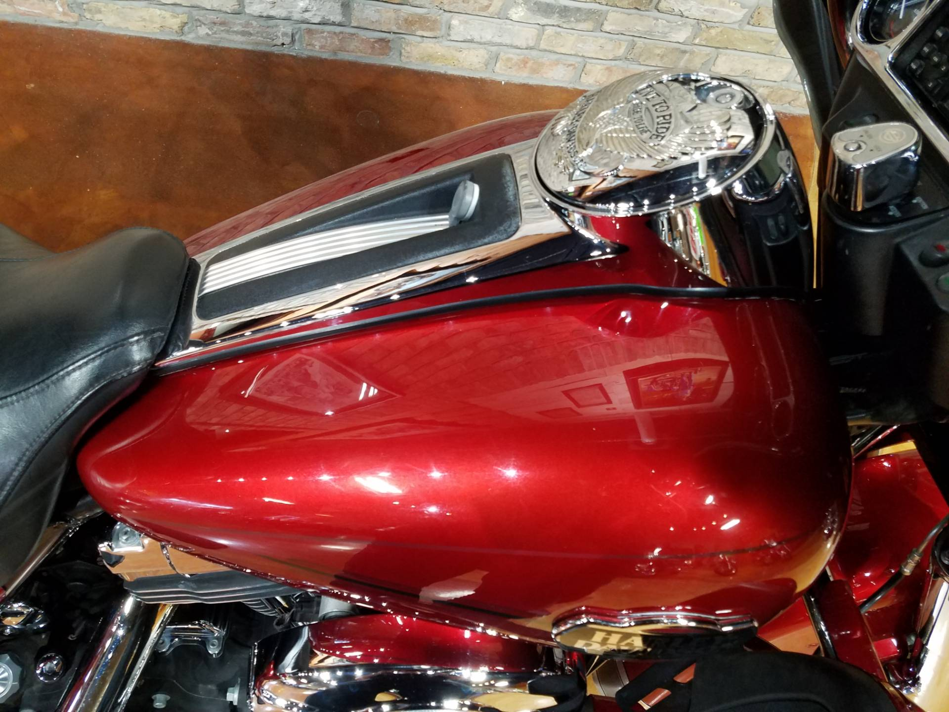 2008 Harley-Davidson Ultra Classic® Electra Glide® in Big Bend, Wisconsin - Photo 24