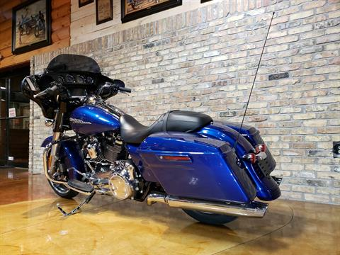 2017 Harley-Davidson Street Glide® Special in Big Bend, Wisconsin - Photo 19