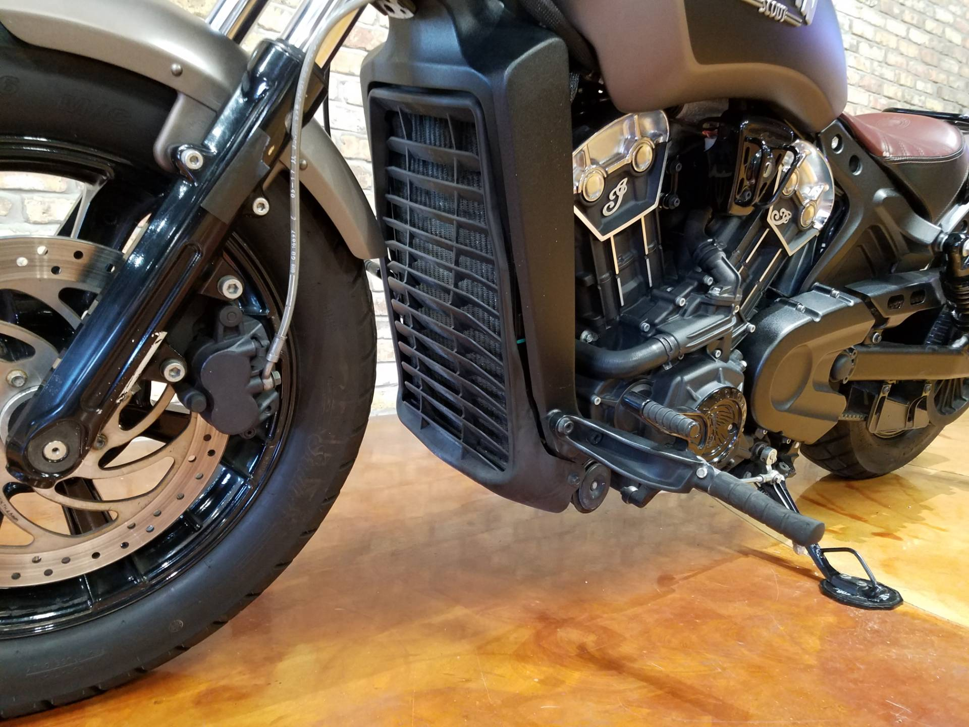 2018 Indian Scout® Bobber in Big Bend, Wisconsin - Photo 7