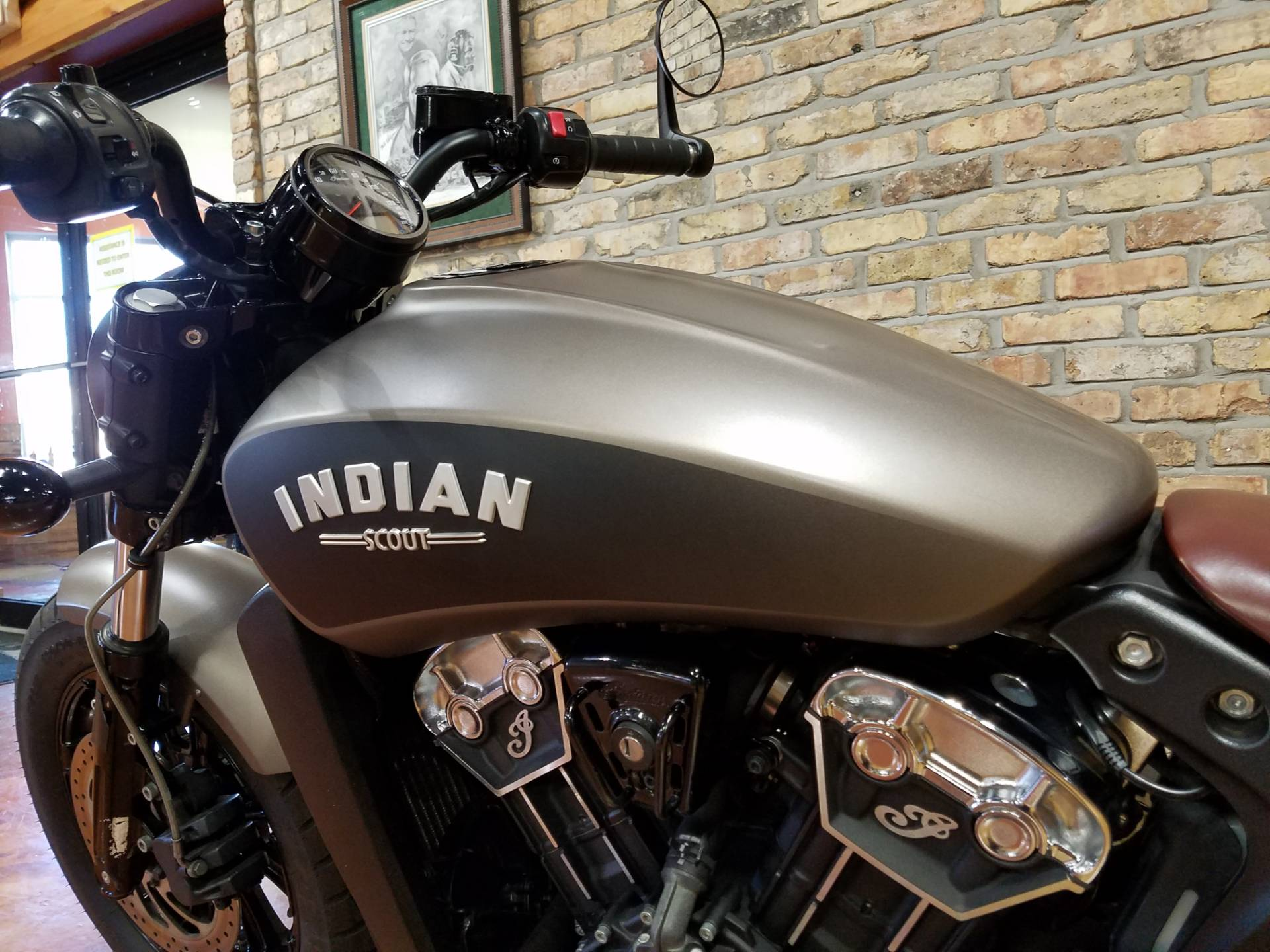 2018 Indian Scout® Bobber in Big Bend, Wisconsin - Photo 10