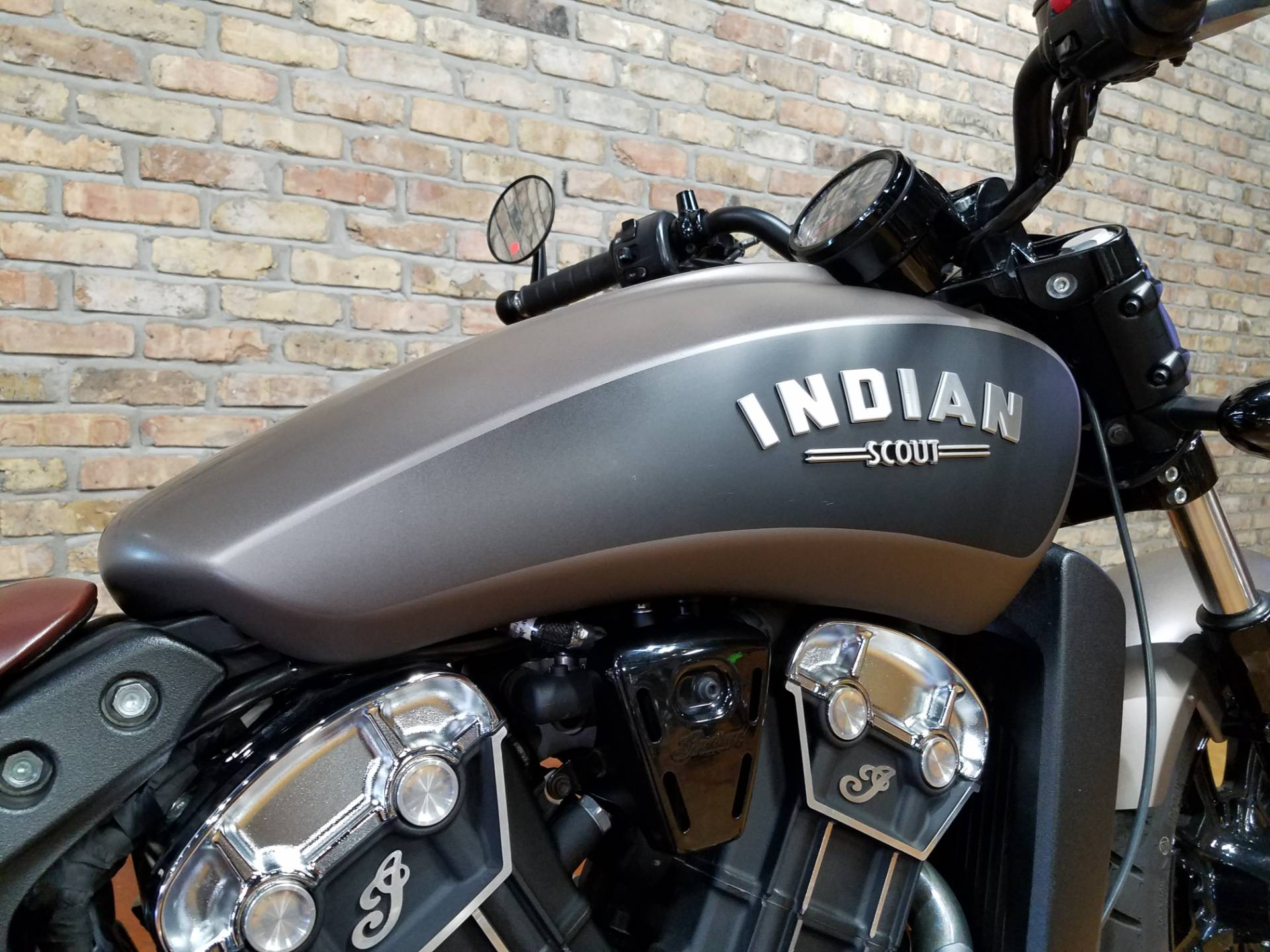 2018 Indian Scout® Bobber in Big Bend, Wisconsin - Photo 37
