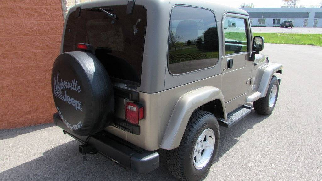 2004 Jeep Wrangler Sahara in Big Bend, Wisconsin - Photo 9