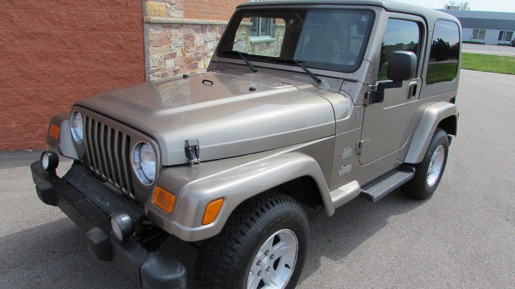 2004 Jeep Wrangler Sahara in Big Bend, Wisconsin - Photo 4
