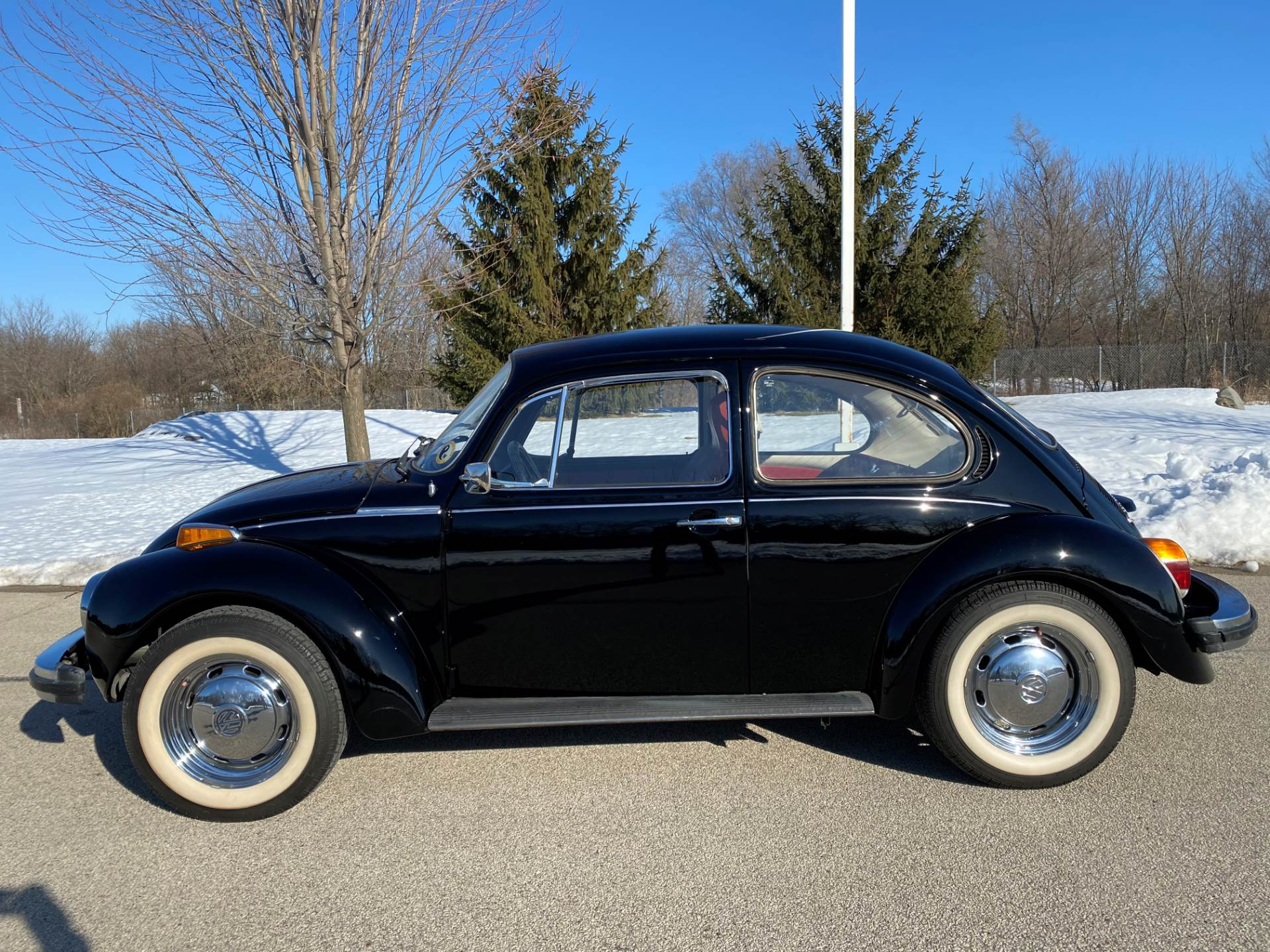 1974 Volkswagen Super Beetle in Big Bend, Wisconsin - Photo 16