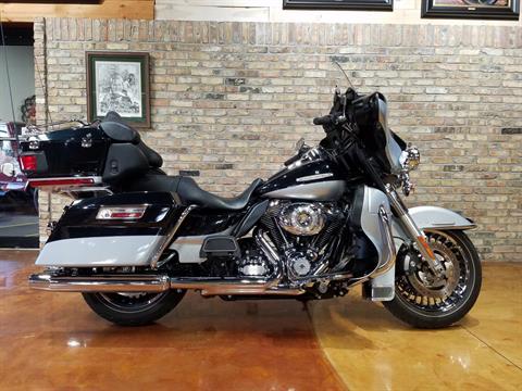2012 Harley-Davidson Electra Glide® Ultra Limited in Big Bend, Wisconsin - Photo 2