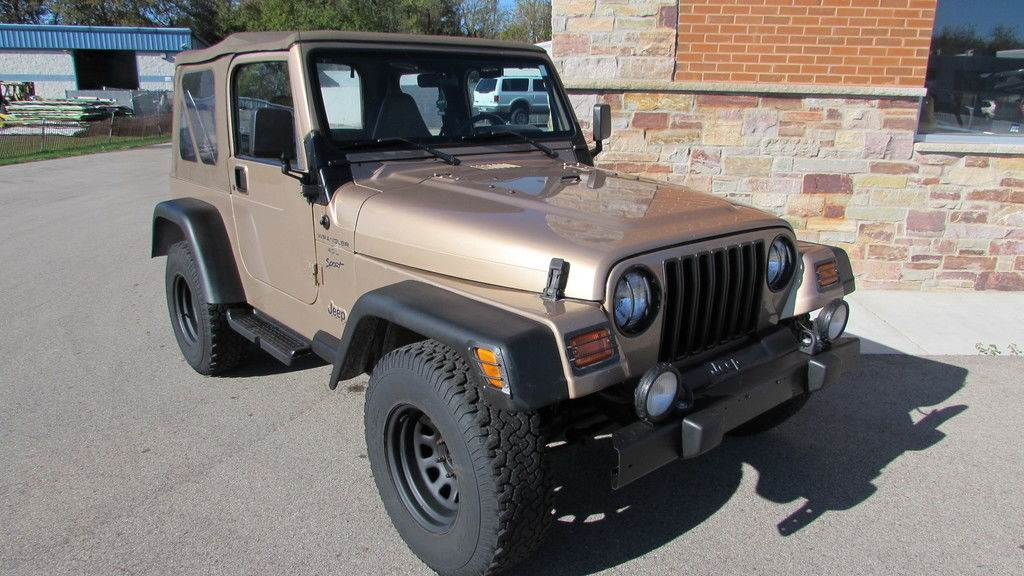 2000 Jeep WRANGLER in Big Bend, Wisconsin - Photo 2
