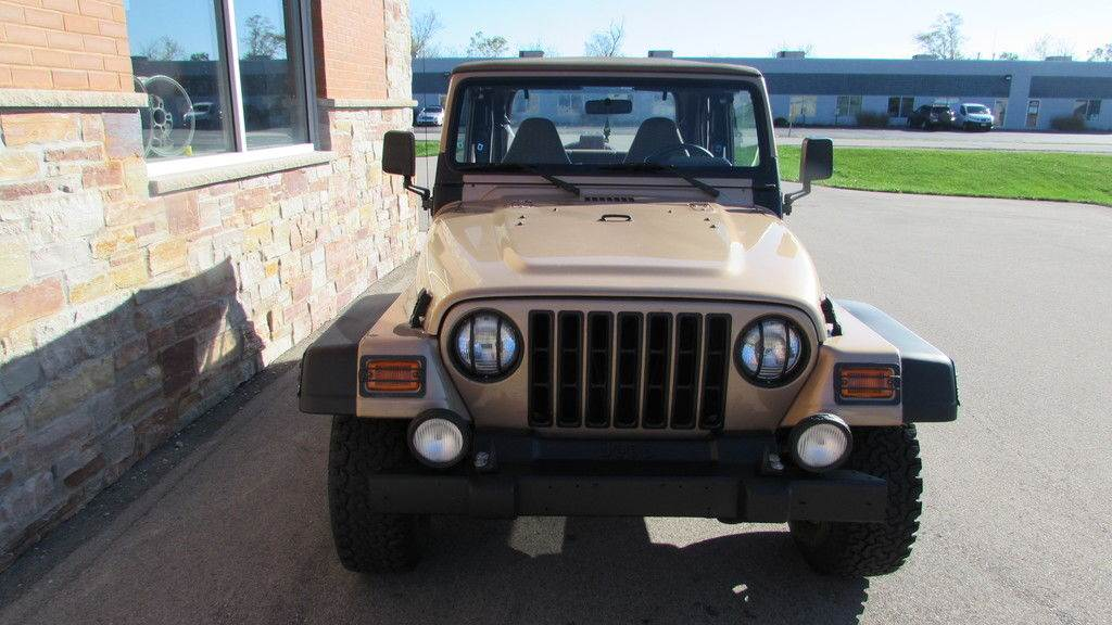 2000 Jeep WRANGLER in Big Bend, Wisconsin - Photo 10