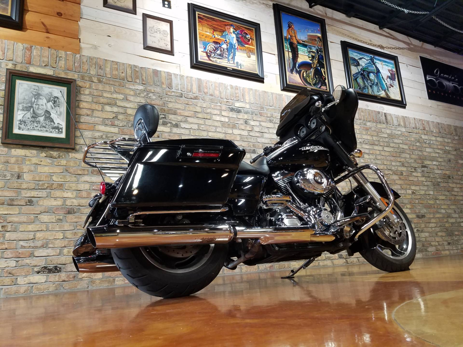 2013 Harley-Davidson Street Glide® in Big Bend, Wisconsin - Photo 4