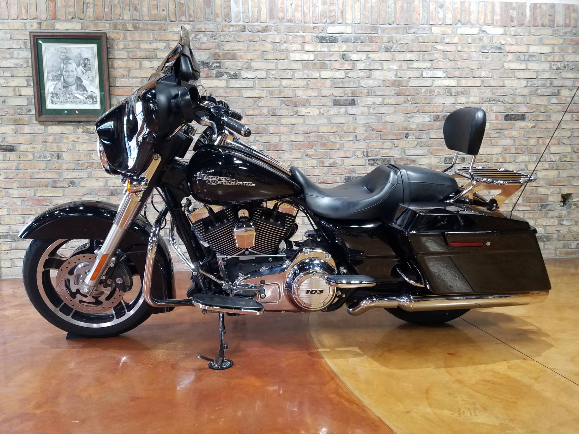 2013 Harley-Davidson Street Glide® in Big Bend, Wisconsin - Photo 29
