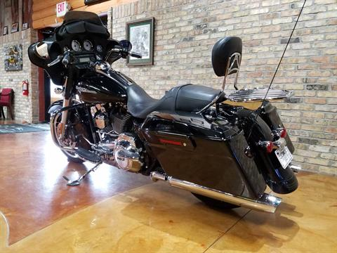 2013 Harley-Davidson Street Glide® in Big Bend, Wisconsin - Photo 30