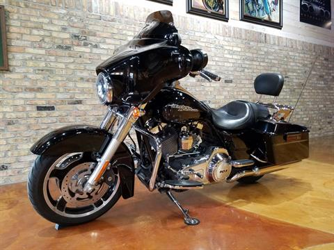 2013 Harley-Davidson Street Glide® in Big Bend, Wisconsin - Photo 31