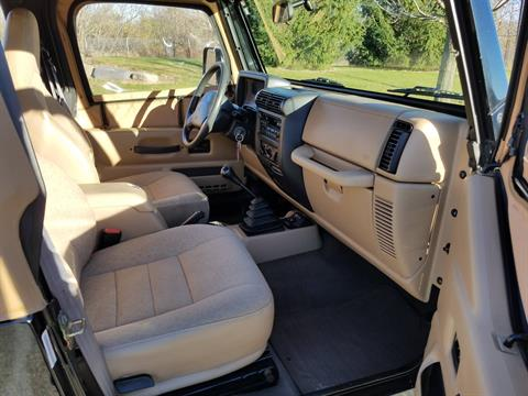 2002 Jeep® Wrangler X in Big Bend, Wisconsin - Photo 15