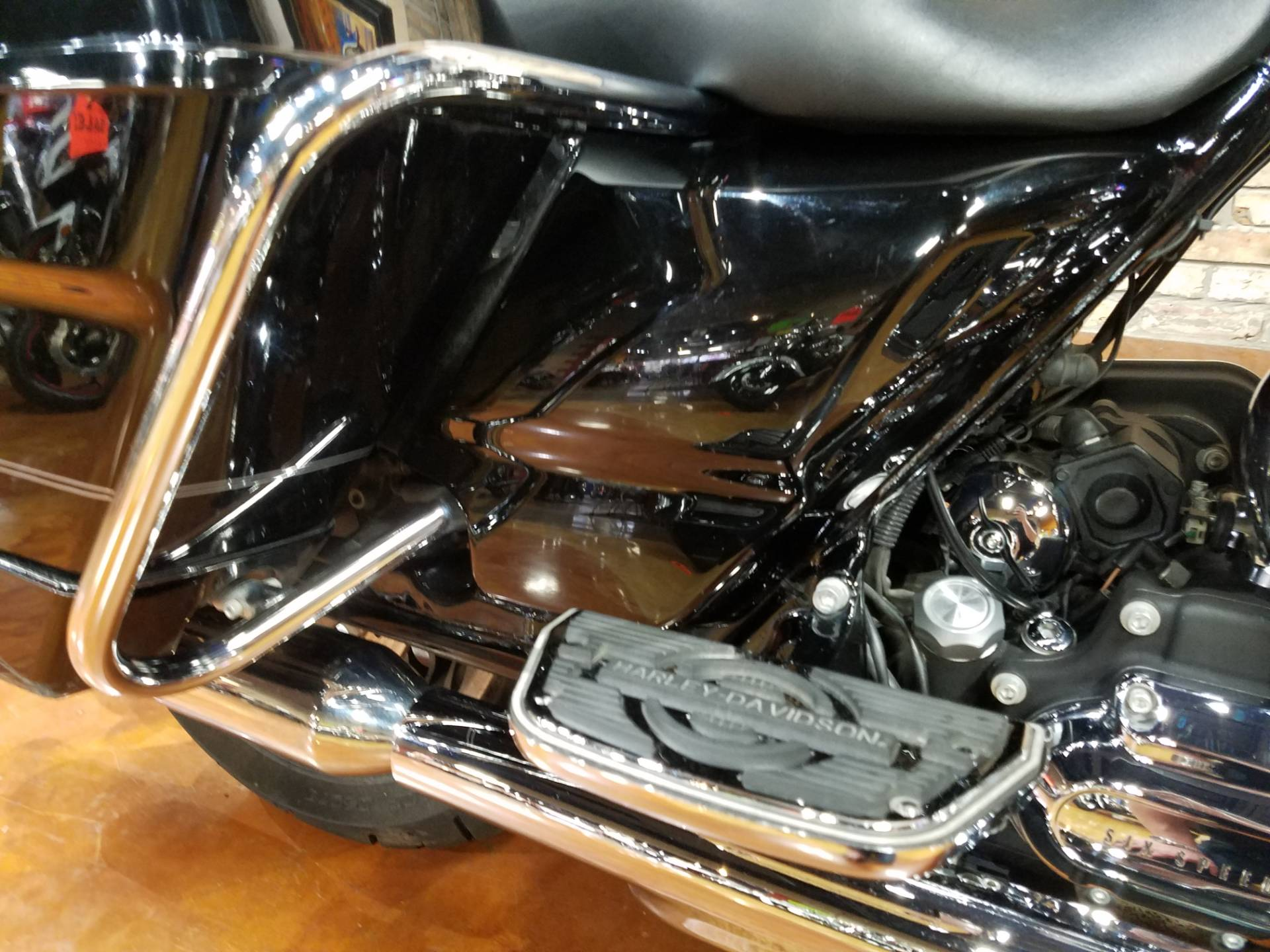 2011 Harley-Davidson Road King® in Big Bend, Wisconsin - Photo 7