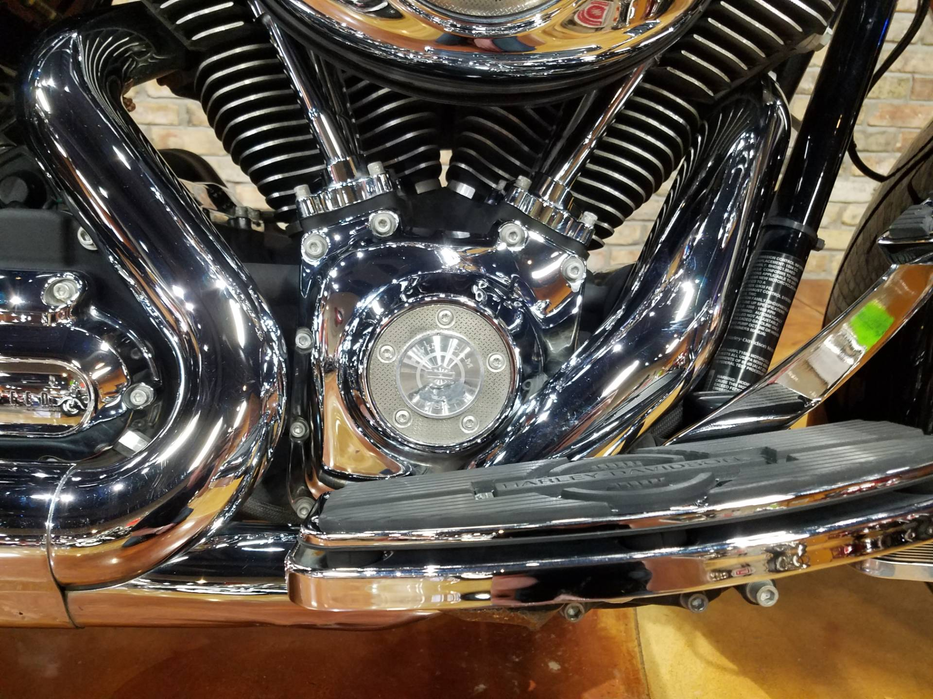 2011 Harley-Davidson Road King® in Big Bend, Wisconsin - Photo 11