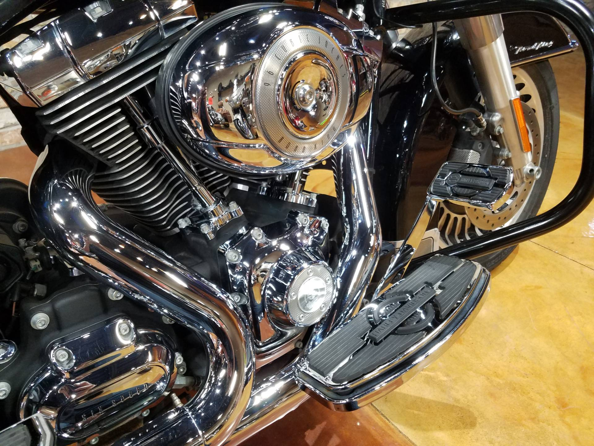 2011 Harley-Davidson Road King® in Big Bend, Wisconsin - Photo 15