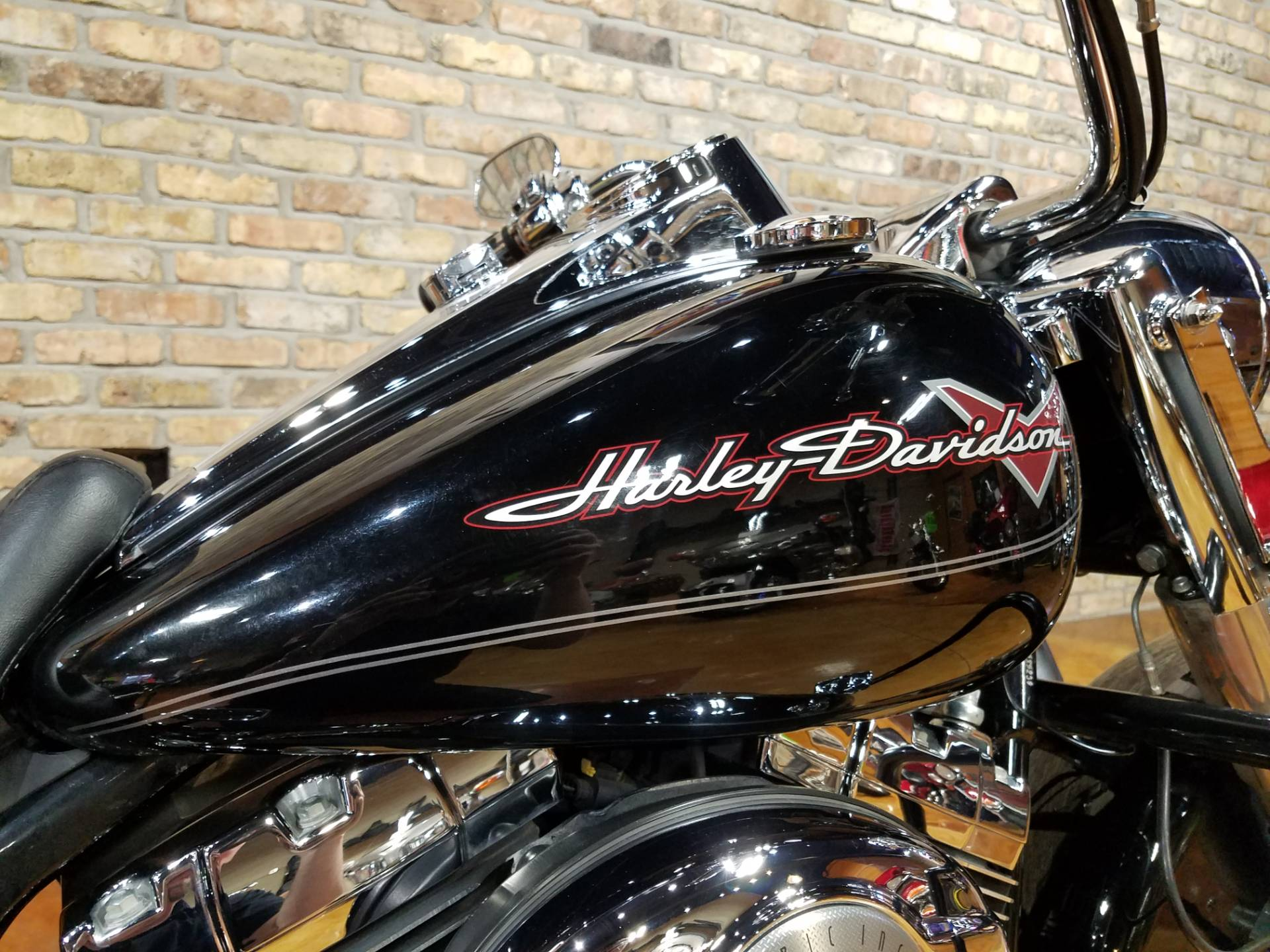 2011 Harley-Davidson Road King® in Big Bend, Wisconsin - Photo 16