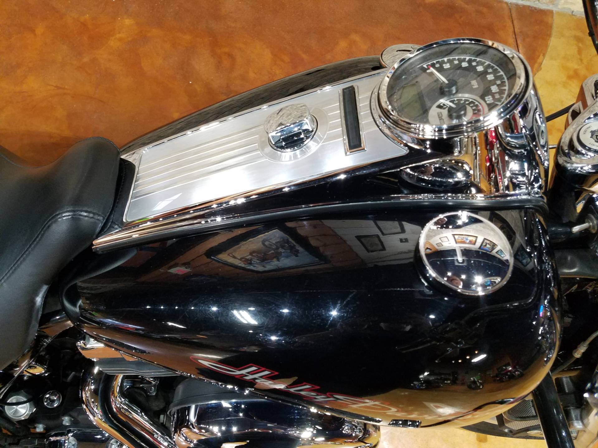 2011 Harley-Davidson Road King® in Big Bend, Wisconsin - Photo 27