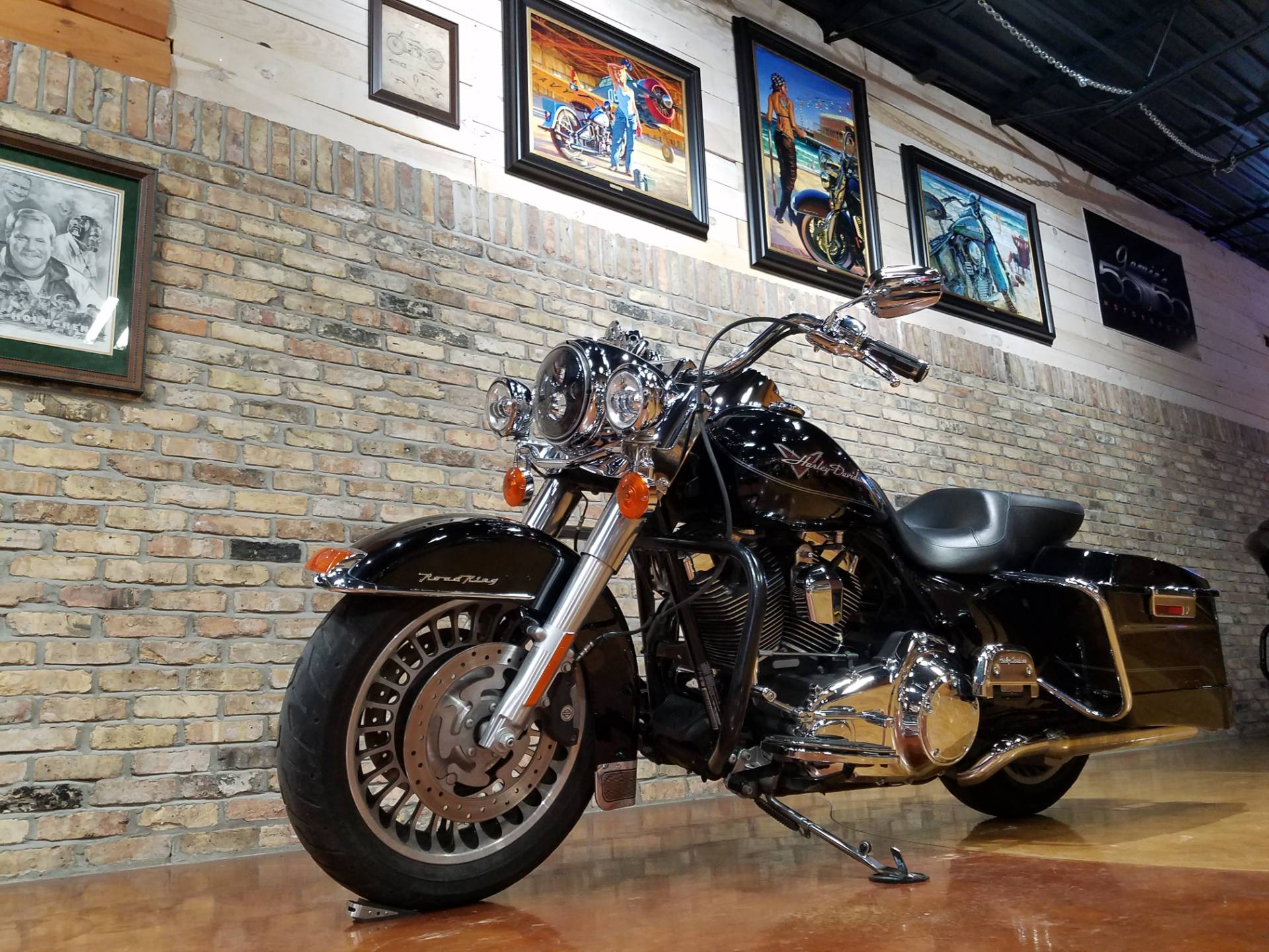 2011 Harley-Davidson Road King® in Big Bend, Wisconsin - Photo 34