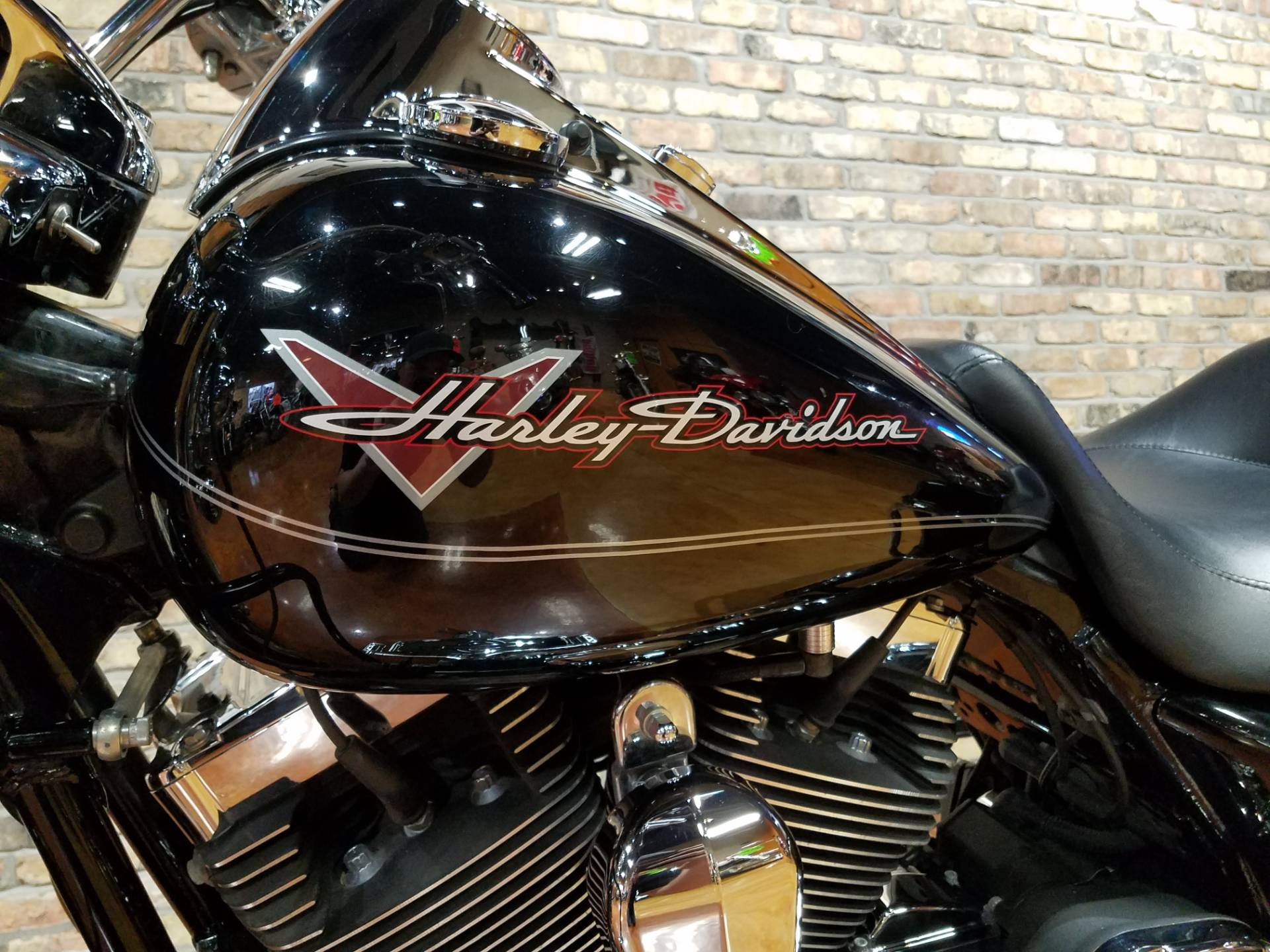 2011 Harley-Davidson Road King® in Big Bend, Wisconsin - Photo 39