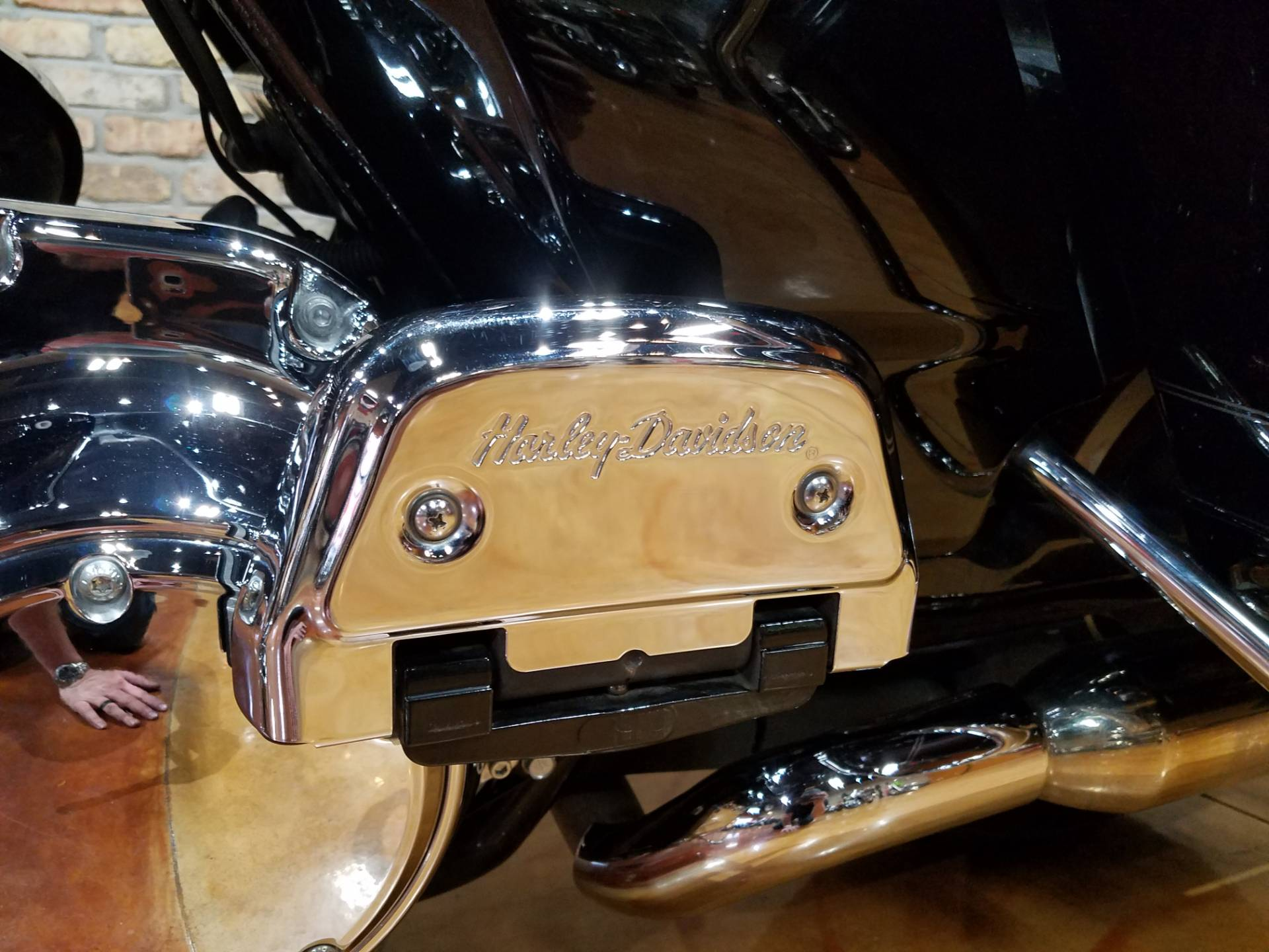 2011 Harley-Davidson Road King® in Big Bend, Wisconsin - Photo 44