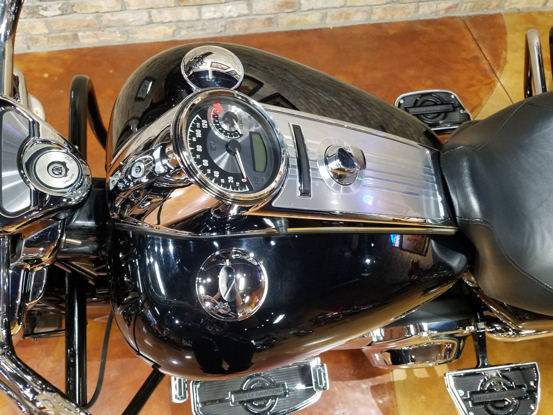 2011 Harley-Davidson Road King® in Big Bend, Wisconsin - Photo 55
