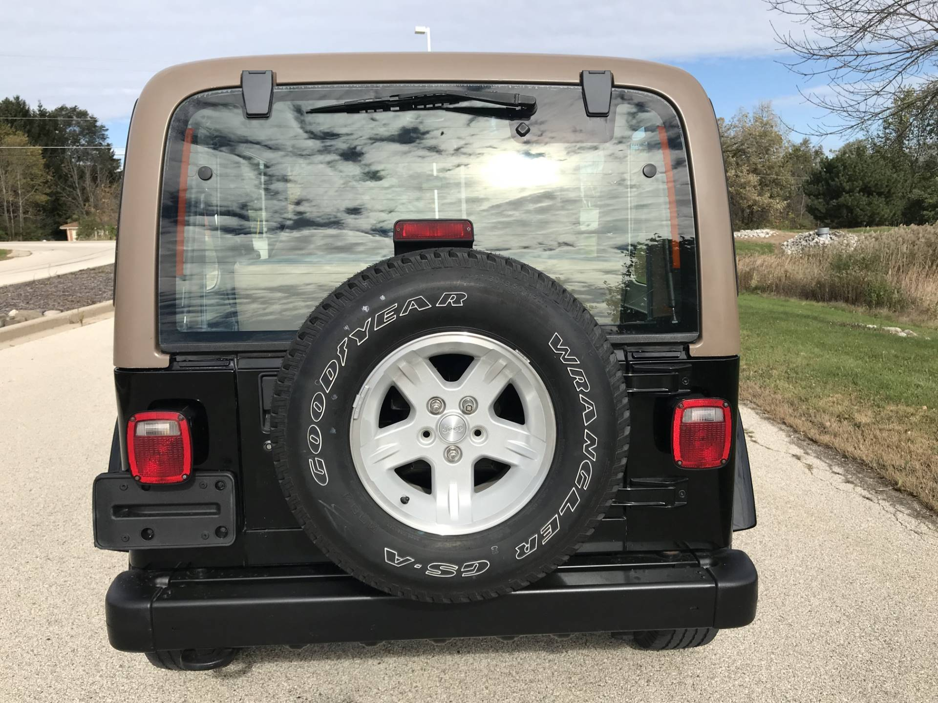 2000 Jeep Wrangler Sahara in Big Bend, Wisconsin - Photo 12