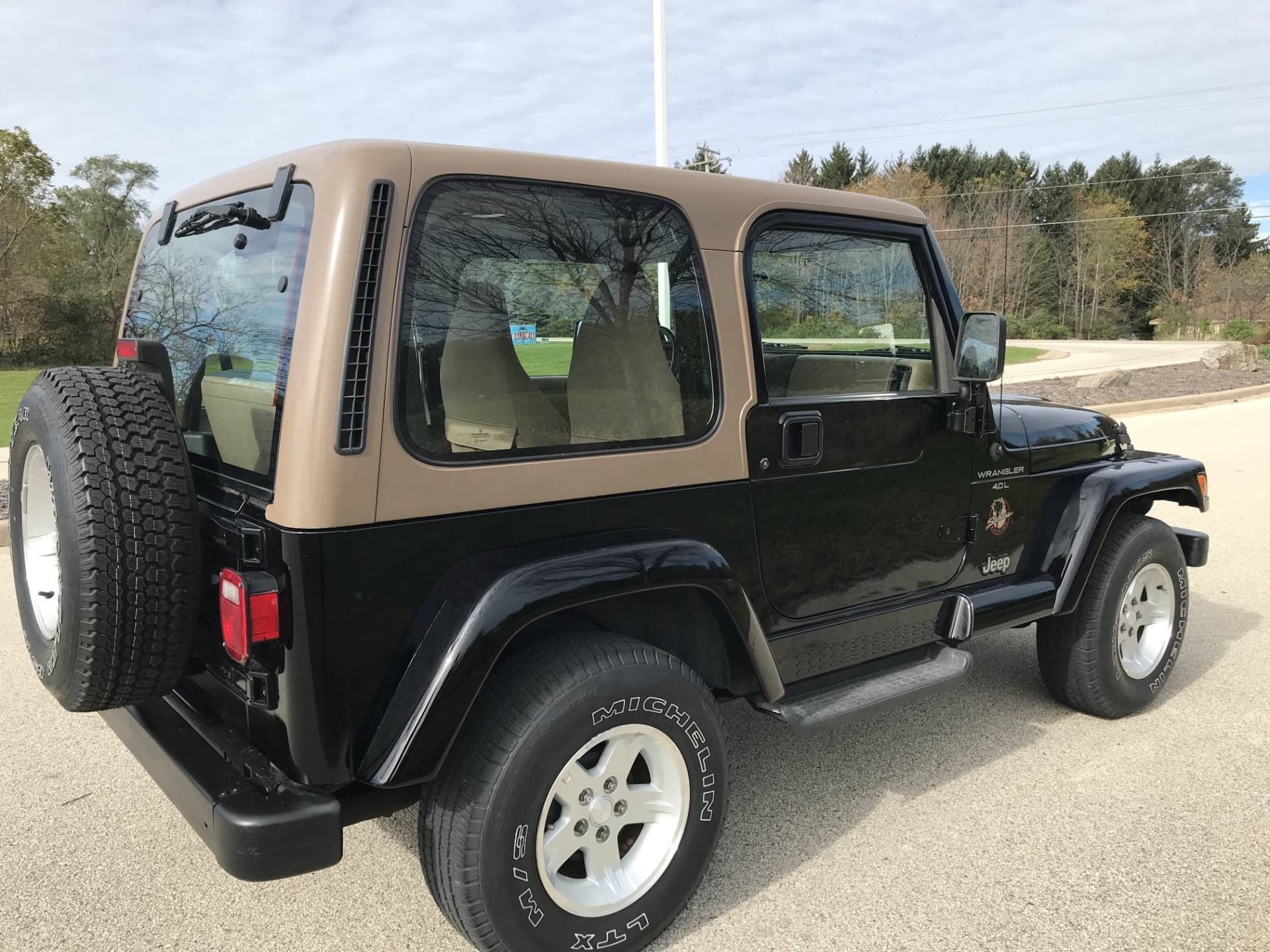 2000 Jeep Wrangler Sahara in Big Bend, Wisconsin - Photo 13
