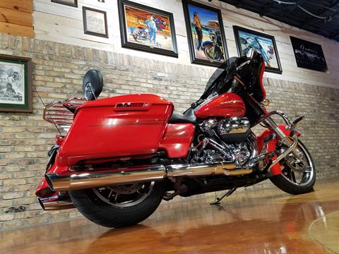 2017 Harley-Davidson Street Glide® Special in Big Bend, Wisconsin - Photo 4